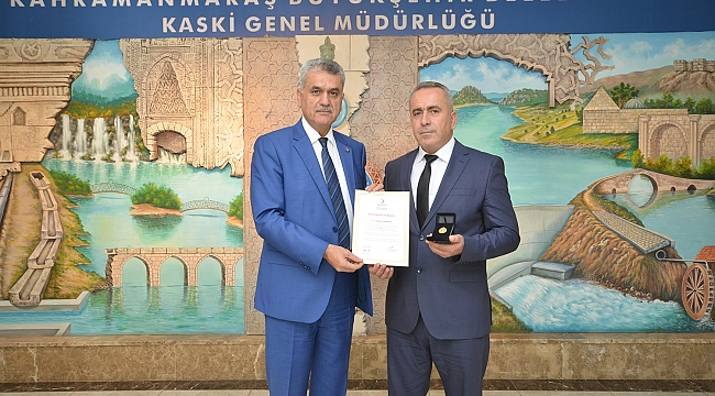 KASKİ PERSONELİ MİKAİL TÜRKMEN'E KIZILAY'DAN ALTIN MADALYA