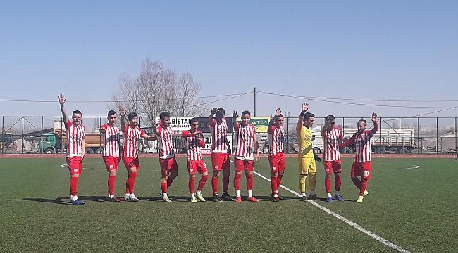 Elbistan spor Fırat Üniversitesi sporu güle-oynaya 2-0 galip